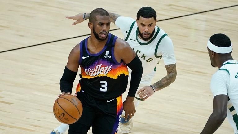 Phoenix Suns guard Chris Paul against the Milwaukee Bucks