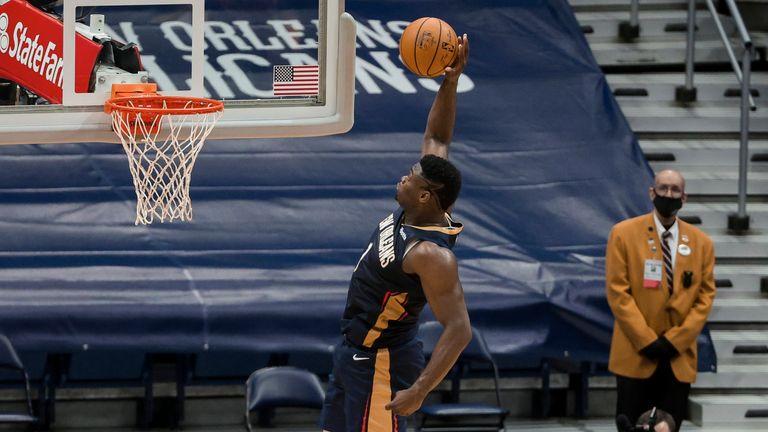 New Orleans Pelicans forward Zion Williamson dunks against the Phoenix Suns