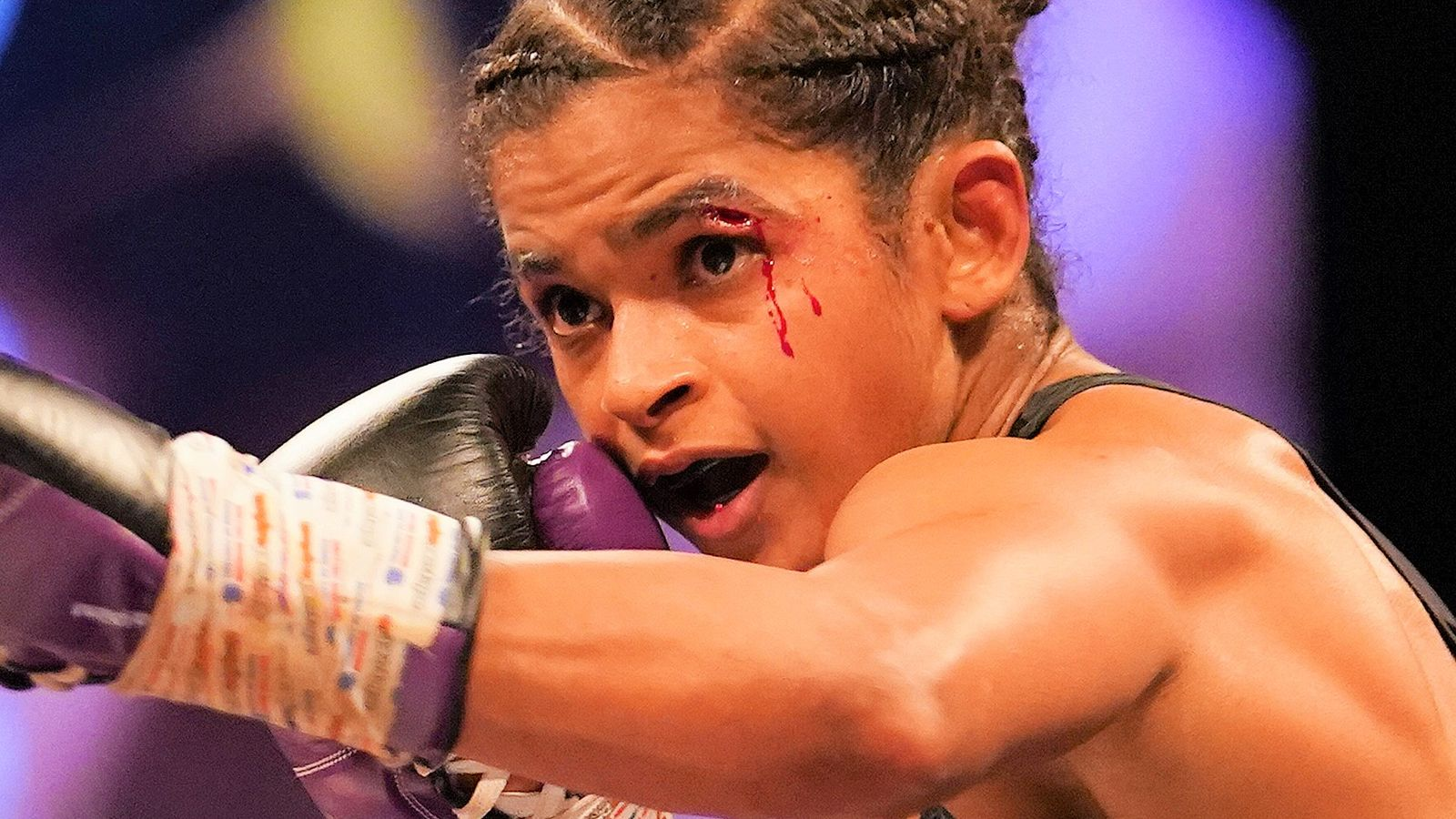 Ramla Ali outclasses Bec Connolly to secure her second professional victory | Boxing News | Sky Sports