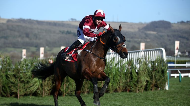 Tiger Roll ridden by Keith Donoghue