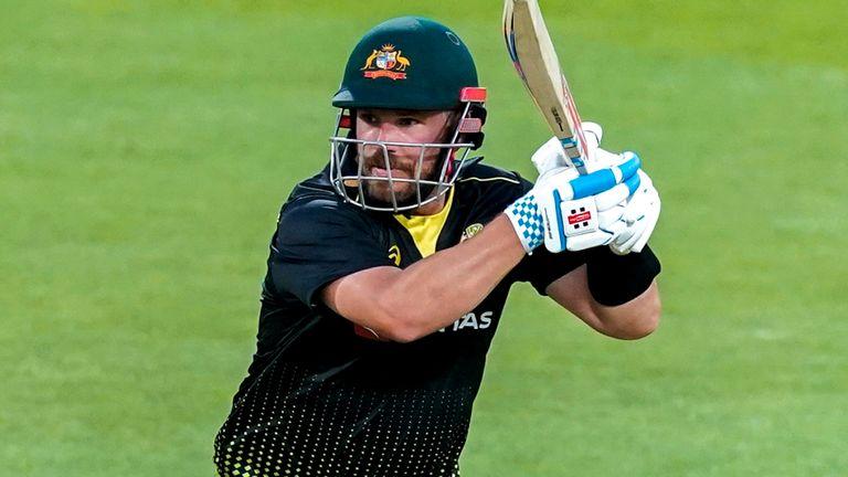 Aaron Finch est sur le point de subir une opération au genou, mais Cricket Australia est convaincu qu'il sera en forme pour la Coupe du monde T20