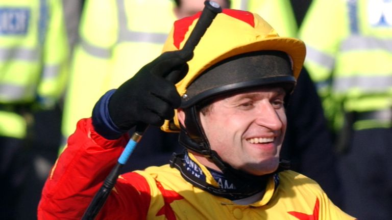 Thornton celebrates his third place on Sir Rembrandt in the Cheltenham Gold Cup in 2005