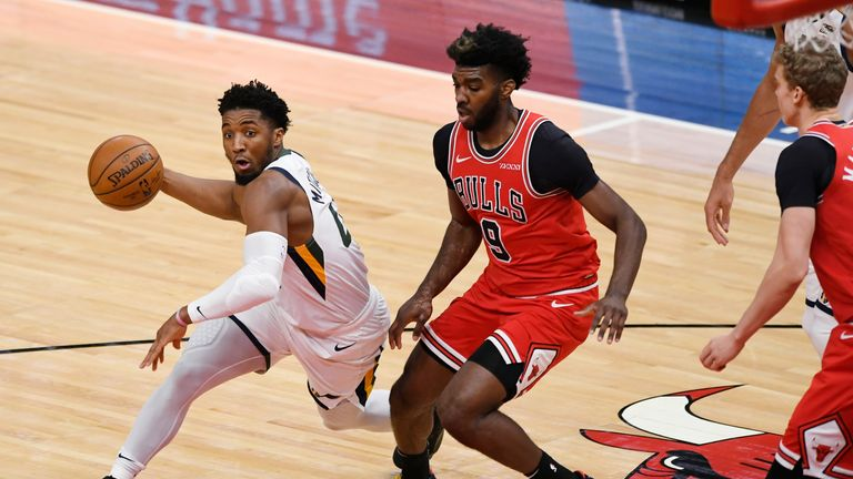 Highlights of the Utah Jazz against the Chicago Bulls in Week 14 of the NBA.