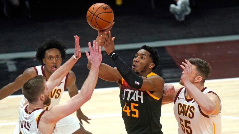 Highlights of the Cleveland Cavaliers against the Utah Jazz in Week 15 of the NBA.
