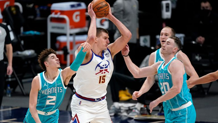 Highlights of the Charlotte Hornets against the Denver Nuggets in Week 13 of the NBA.