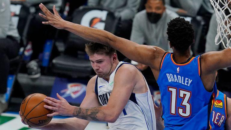 Highlights of the Dallas Mavericks against the Oklahoma City Thunder in Week 15 of the NBA.
