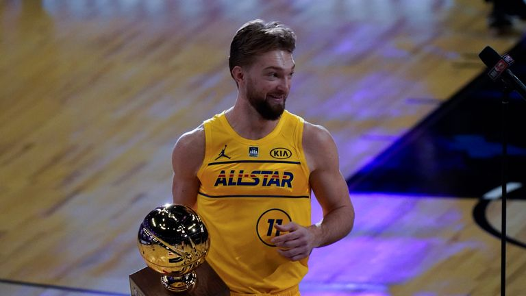Domantas Sabonis beat Nikola Vucevic in the championship round to win the 2021 Taco Bell Skills Challenge.