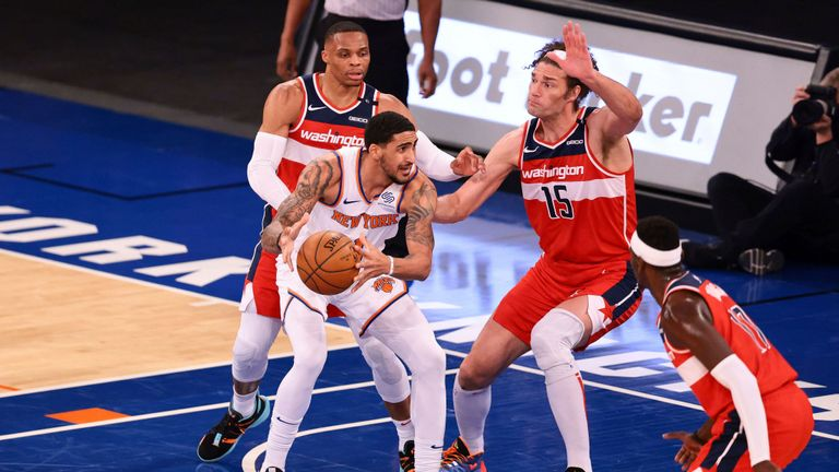 Highlights of the Washington Wizards against the New York Knicks in Week 14 of the NBA.