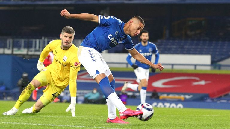 Richarlison keeps his composure to give Everton a ninth-minute lead