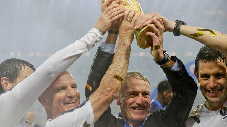 Antrenorul Franței, Didier Deschamps, și echipa sa au susținut Cupa Mondială