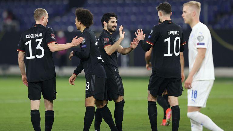 Ilkay Gundoga celebra los goles de Alemania