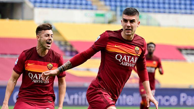 Gianluca Mancini's goal saw Roma past Genoa