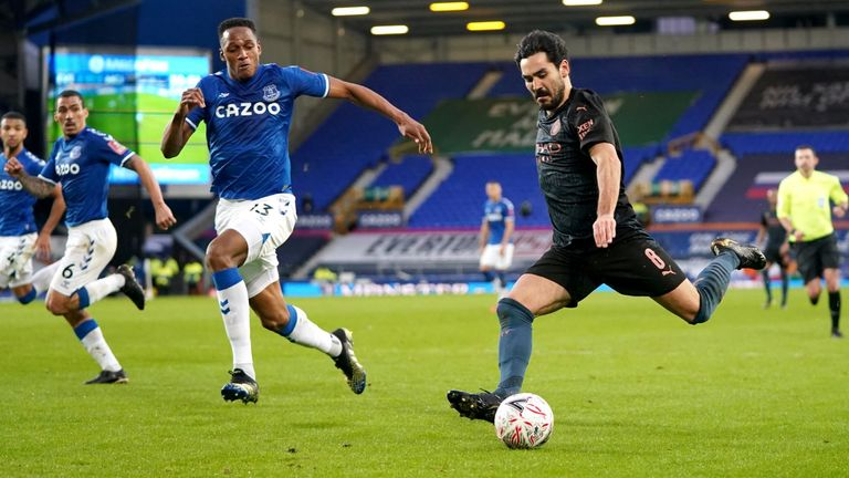 Ilkay Gundogan on the ball during Manchester City's FA Cup tie against Everton at Goodison Park