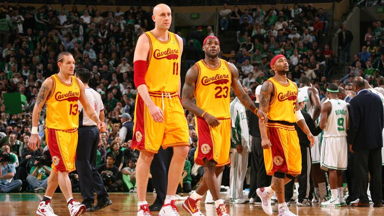 BOSTON - MARCH 6: Delonte West #13, Zydrunas Ilgauskas #11,LeBron James #23 and Mo Williams #2 of the Cleveland Cavaliers walk to the bench against the Boston Celtics during the game on March 6, 2009 at the TD Banknorth Garden in Boston, Massachusetts.  NOTE TO USER: User expressly acknowledges and agrees that, by downloading and/or using this Photograph, user is consenting to the terms and conditions of the Getty Images License Agreement. Mandatory Copyright Notice: Copyright 2009 NBAE   (Photo by Jesse D. Garrabrant/NBAE via Getty Images)