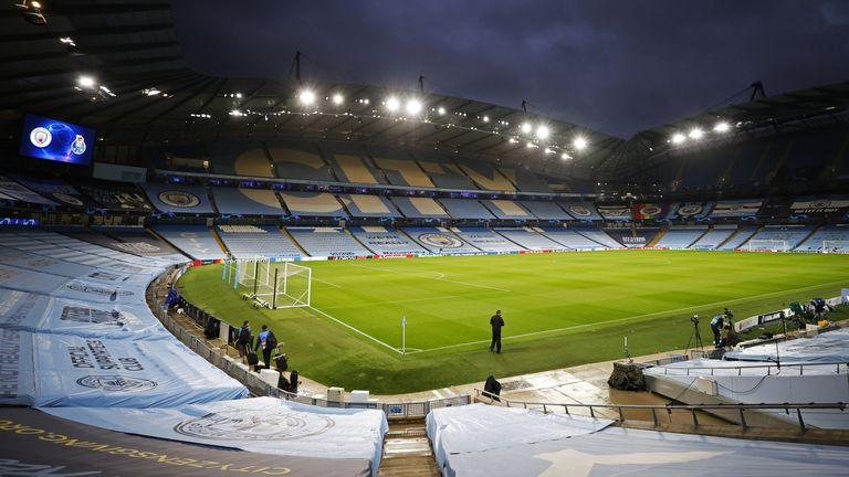 PA - Gesamtansicht des Etihad-Stadions in Manchester City