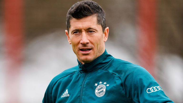 Robert Lewandowski of FC Bayern Muenchen looks on during a training session at Saebener Strasse training ground on March 11, 2021 in Munich, Germany. (Photo by M. Donato/Getty Images for FC Bayern)