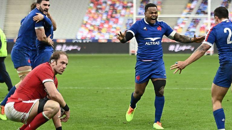 Alun Wyn Jones is dejected as France celebrate their winning try
