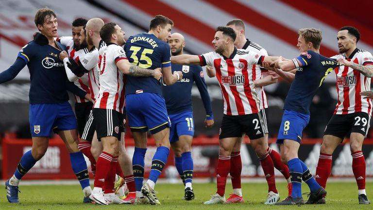 ไฟล์รูปภาพลงวันที่ 06-03-2021 ของ Tempers flare ระหว่าง Sheffield United และ Southampton วันที่ออก: วันพฤหัสบดีที่ 11 มีนาคม 2564