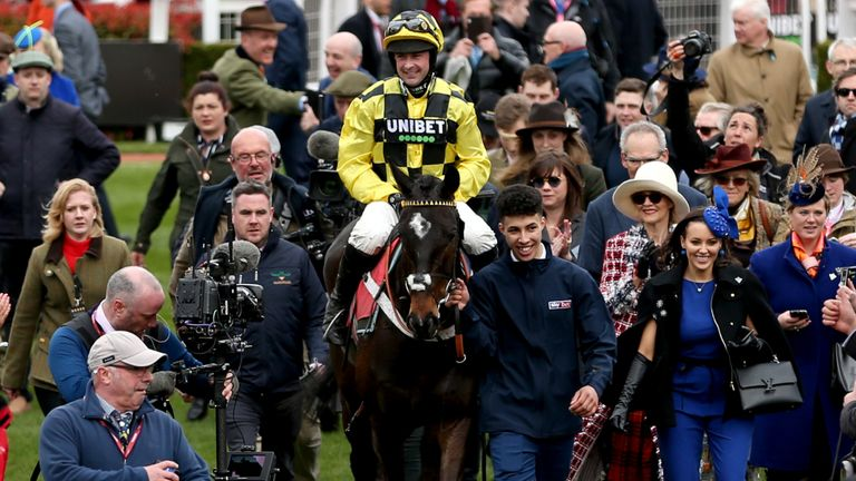 Nico de Boinville celebrates on Shishkin after winning the Sky Bet Supreme Novices' Hurdle last year