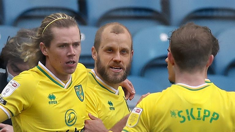 Teemu Pukki and Todd Cantwell were both on target as Norwich came from behind to beat Sheffield Wednesday at Hillsborough.