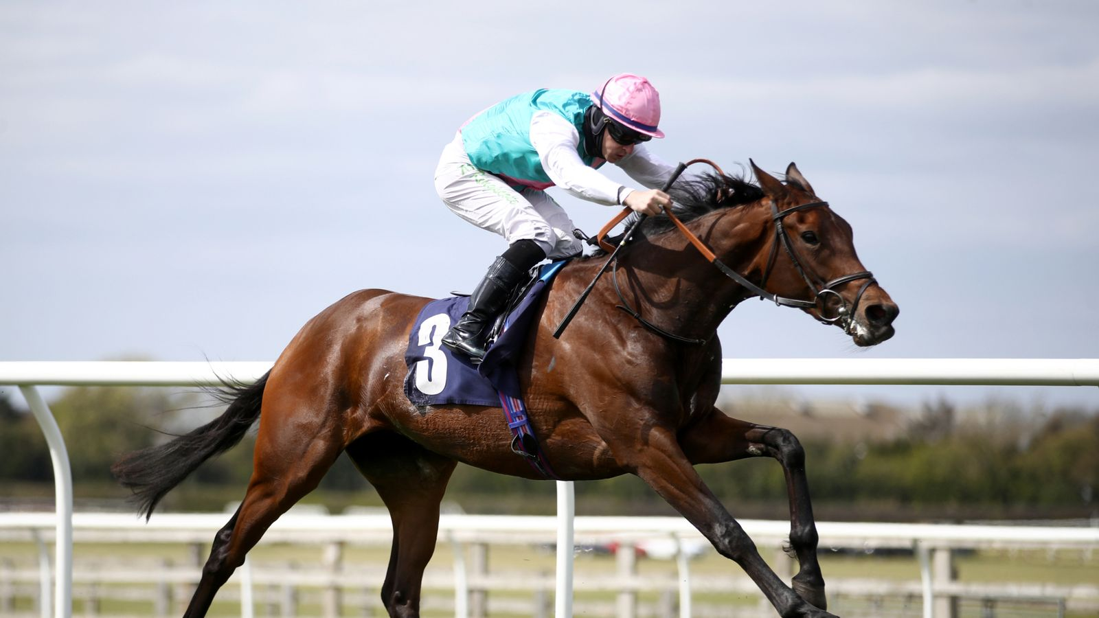 Noon Star and Teona clash in Tattersalls Musidora Stakes