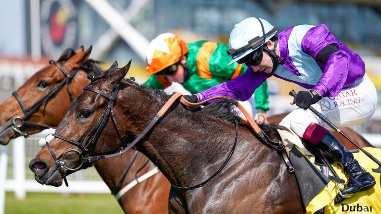 Oisin Murphy riding Alcohol Free (purple) win narrowly