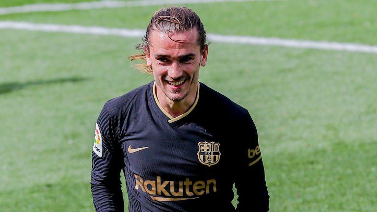 Antoine Griezmann marcó dos goles en la victoria del Barcelona sobre el Villarreal