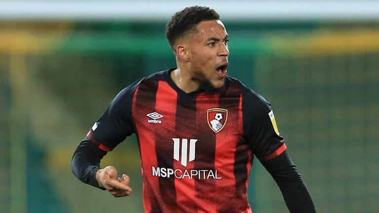 Arnaut Danjuma célèbre le deuxième but du match de Bournemouth