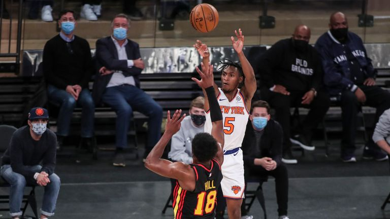 Highlights of the Atlanta Hawks against the New York Knicks in Week 18 of the NBA.