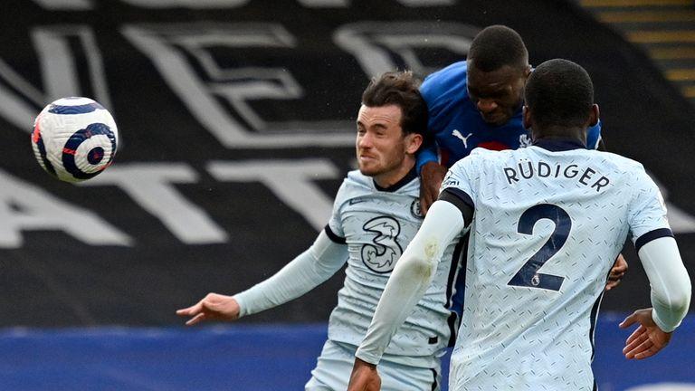 Christian Benteke scores for Crystal Palace vs Chelsea