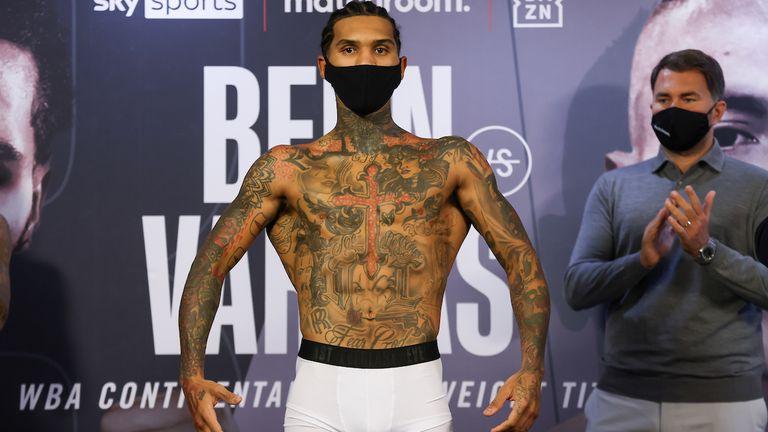*** Gratis for redaksjonell bruk ***.  Connor Ben og Samuel Vargas veier inn før WBA Continental Welderweight-tittelen i morgen ... 9. april 2021. Mark Robinson Matchroom Boxing Image