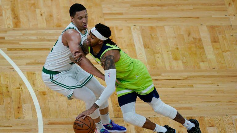 Timberwolves D'Angelo Russell v Celtics
