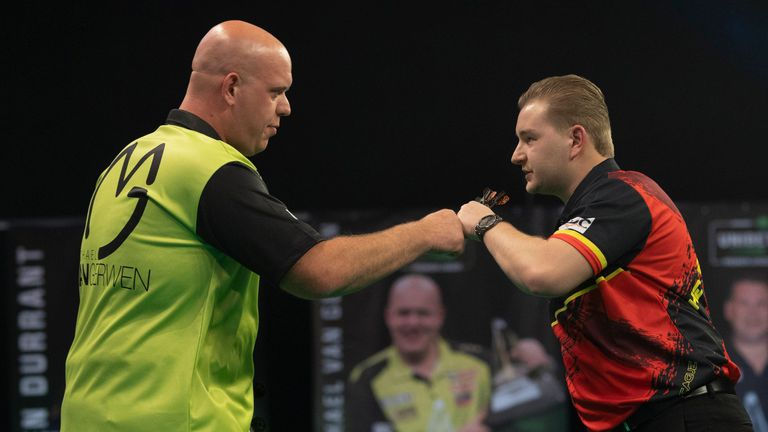 Michael Van Gerwen and Dimitri Van den Bergh drew their match (pic Lawrence Lustig/PDC)