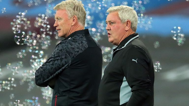 West Ham United manager David Moyes (left) and Newcastle United manager Steve Bruce prior to kick-off of the Premier League match at London Stadium.