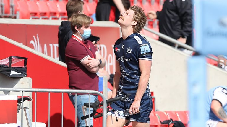 Robert du Preez was shown a red card after just 26 minutes