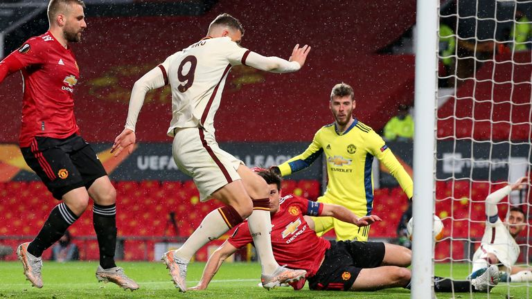 Edin Dzeko puts Roma 2-1 up against Man Utd in the Europa League semi-final first leg