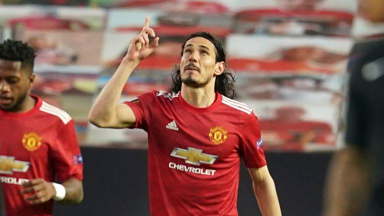 Edinson Cavani extended Manchester United's lead over Granada