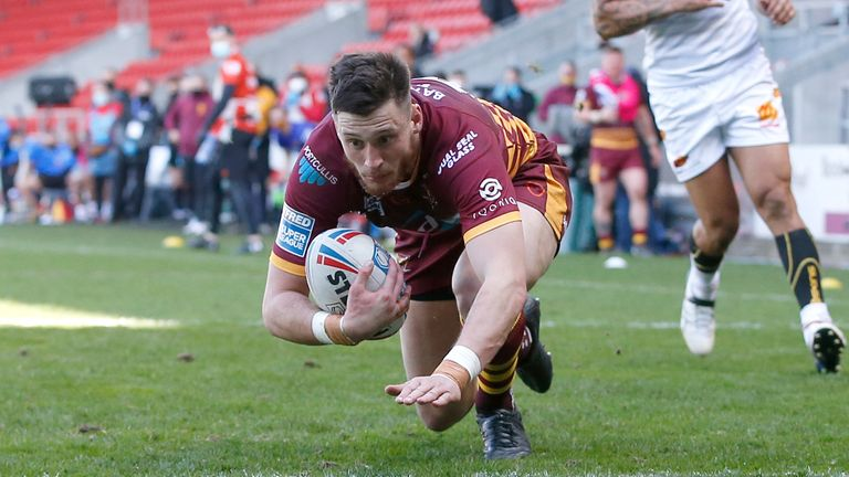 Hull KR have signed utility back Sam Wood from Huddersfield