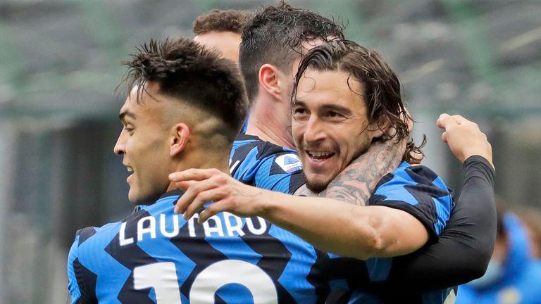 Inter Milan celebrate victory over Cagliari