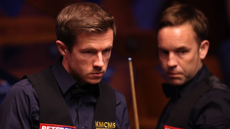 Jack Lisowski (left) edged out Ali Carter in a final-frame decider at the Crucible in Sheffield