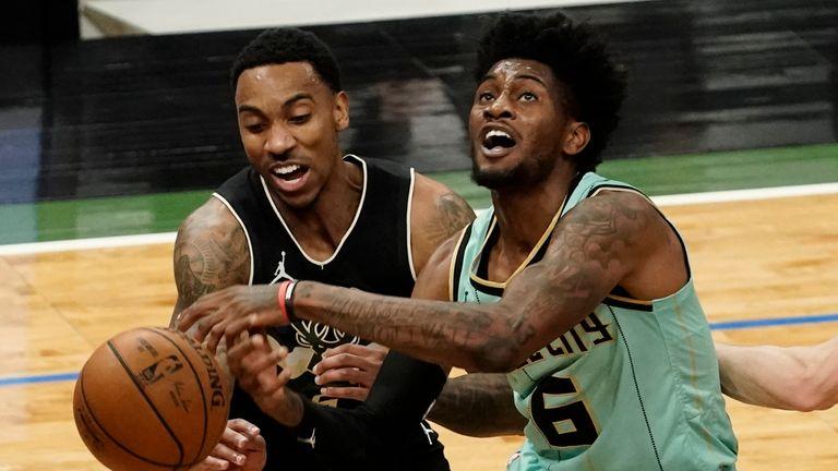 Jalen McDaniels v Bucks NBA