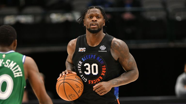 DALLAS, TX - APRIL 16: Julius Randle #30 of the New York Knicks dribbles the ball during the game against the Dallas Mavericks on April 16, 2021 at the American Airlines Center in Dallas, Texas. NOTE TO USER: User expressly acknowledges and agrees that, by downloading and or using this photograph, User is consenting to the terms and conditions of the Getty Images License Agreement. Mandatory Copyright Notice: Copyright 2021 NBAE (Photo by Glenn James/NBAE via Getty Images)