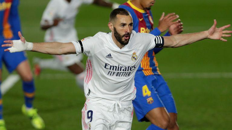 Karim Benzema celebrates scoring for Real Madrid vs Barcelona
