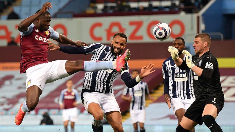 Keinan Davis scores a late equalsier for Villa