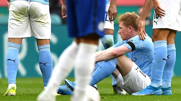 Kevin De Bruyne goes down after picking up an injury