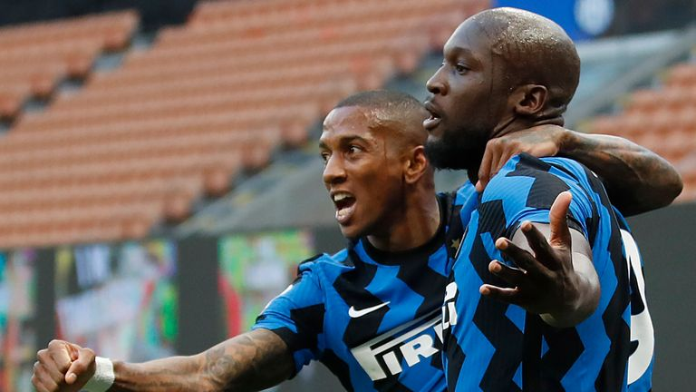 Ashley Young and Romelu Lukaku celebrate Inter Milan's opening goal against Sassuolo