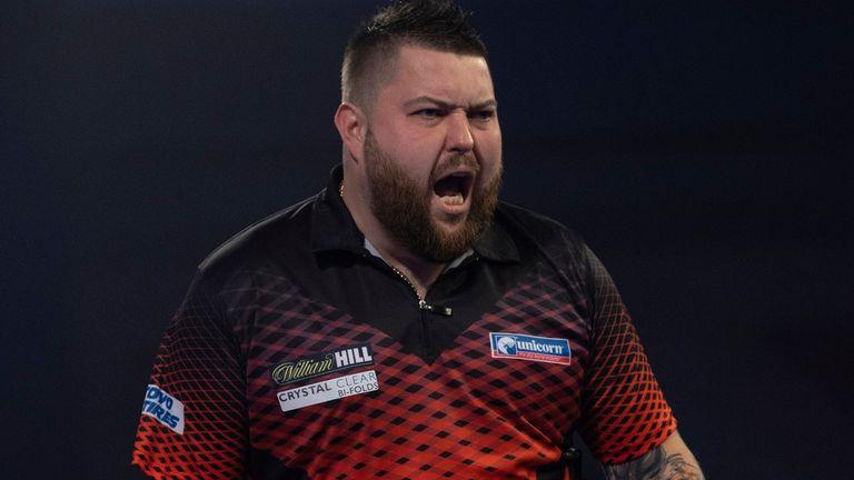 Michael Smith behaalde zijn eerste titel in 2021 door Ross Smith te verslaan in het toernooi met 10 spelers op zondag
