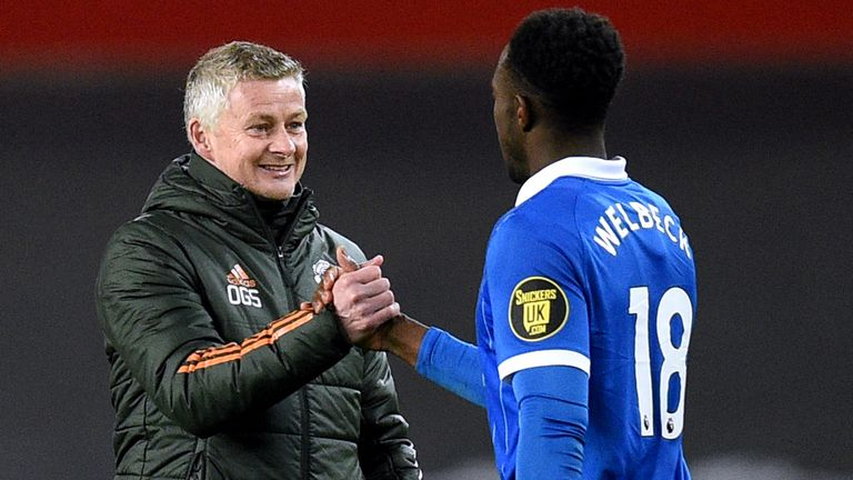 Ole Gunnar Solskjaer speaks to Danny Welbeck at the final whistle