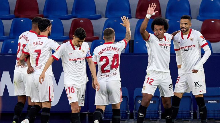 Sevilla moved to within three points of the La Liga summit with a narrow win at Levante