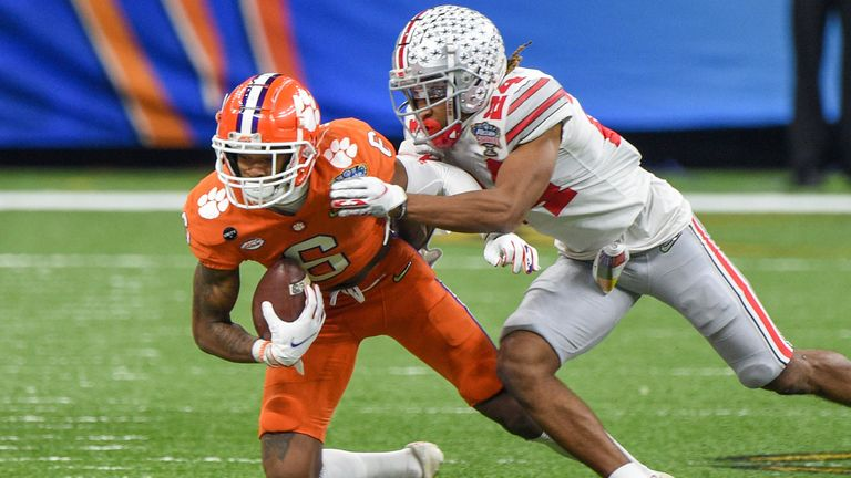 Wade tackles Clemson wide receiver E.J. Williams playoff semi-final. (Photo by Ken Murray/Icon Sportswire via AP)